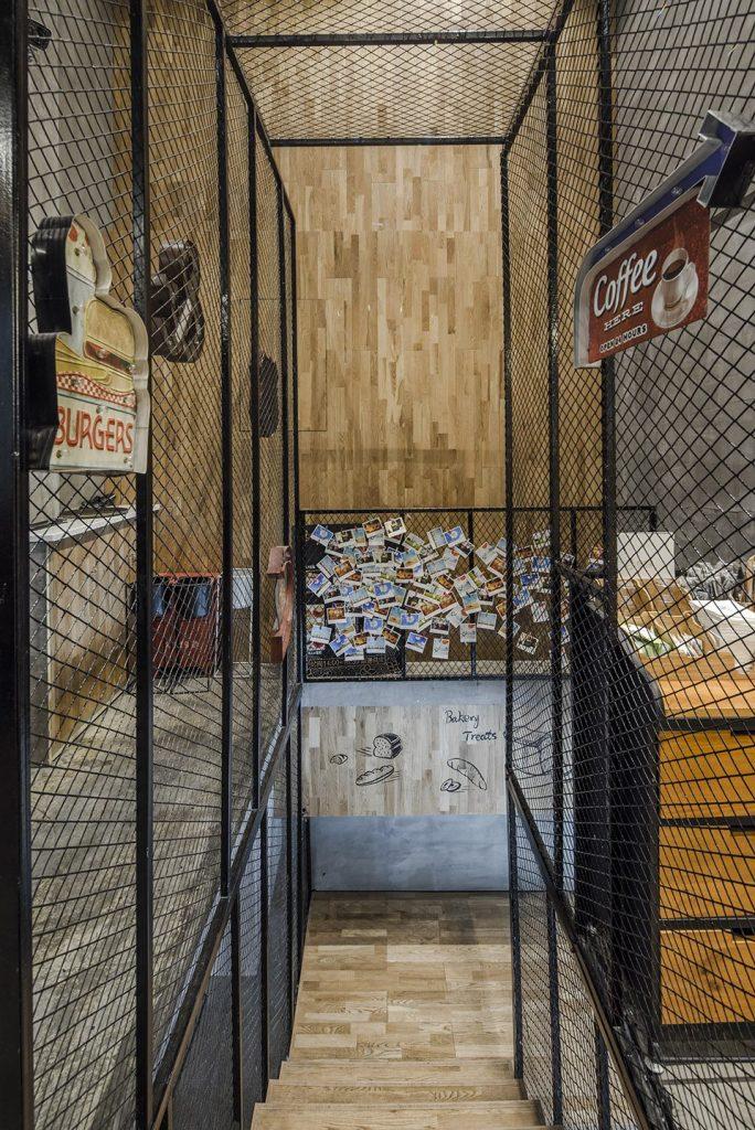 铝网拉伸网装饰楼梯间